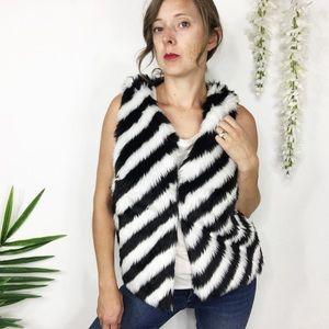 NWT SAY WHAT? faux fur black & white vest 0505